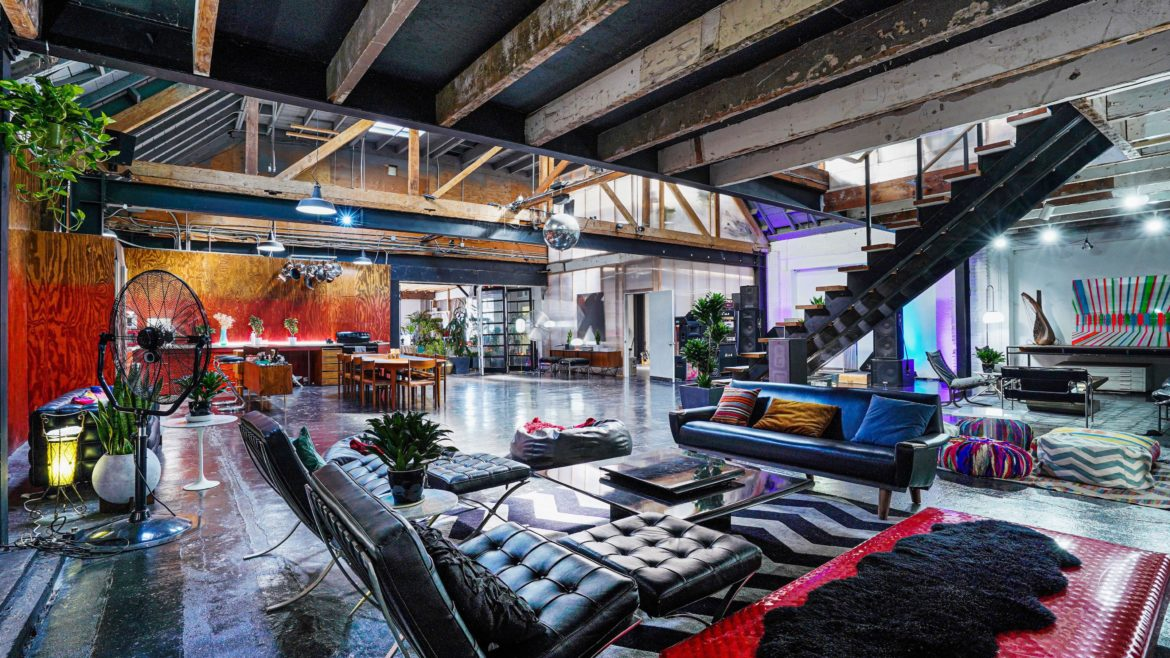 Ventra7 - Industrial Warehouse Loft 24