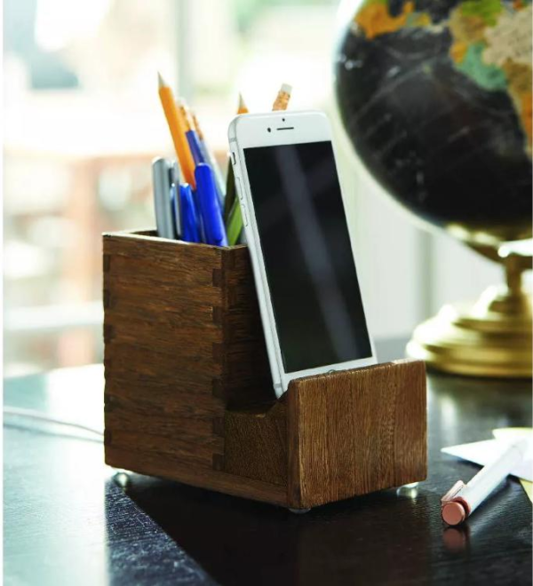 wooden-pen-and-phone-holder